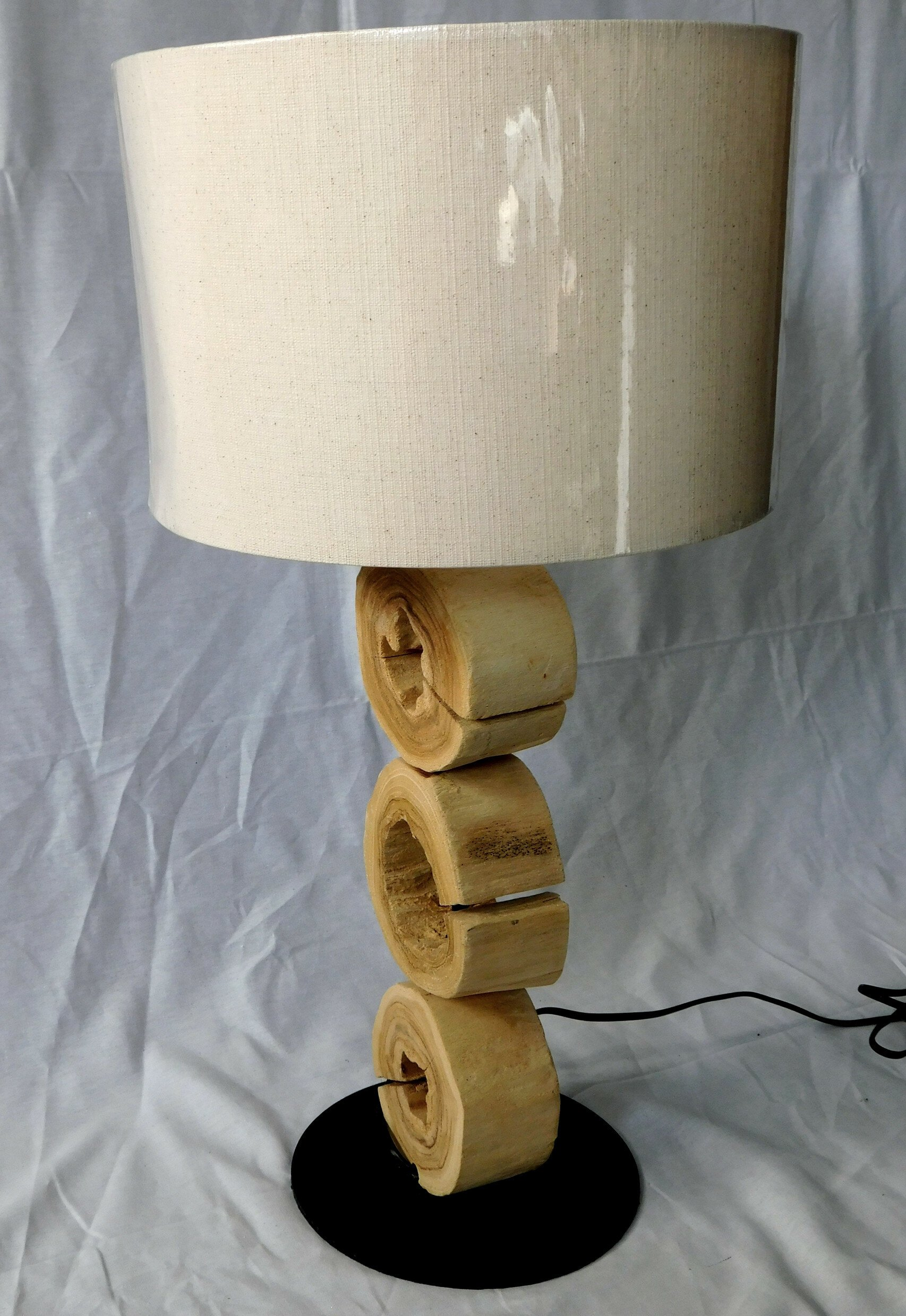Drevená lampa Seram (63cm)